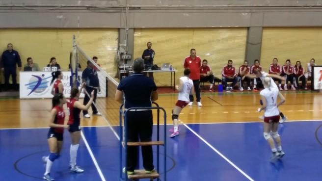 2015 11 8 Hlioupoli Olympiakos 0 3 volley gynaikon